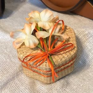 Vintage Hexagon Mini Woven Wicker Basket With Lid